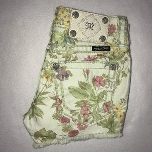 Miss Me Green Floral Stretch Cut Off Shorts 24